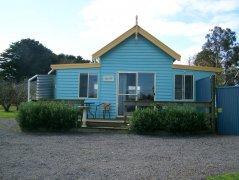 D-slide-lake-purrumbete-orchard-cottage-front-2.jpg